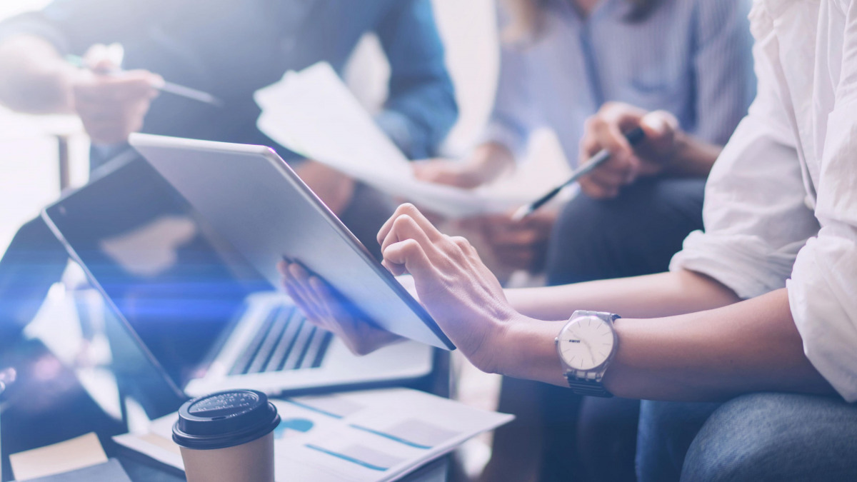 In sechs Schritten zum Digital Workplace
